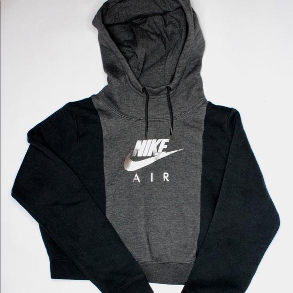 d7b13af2c5534a Nike Sportswear Reflective Crop Hoodie Size L. M 5c3bc86ac9bf50e60c7c991c
